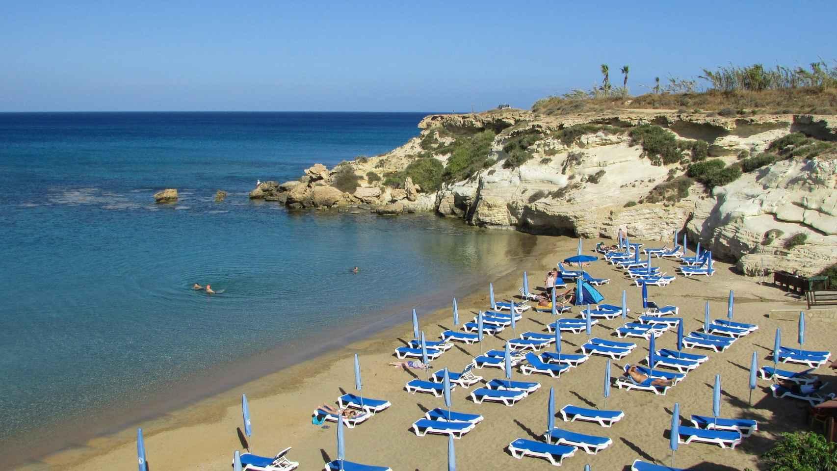 La finalidad de estas ayudas es subvencionar la contratación de jóvenes desempleados que garanticen la seguridad en las playas valencianas.