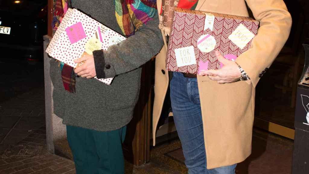 José Antonio León junto a Kike Calleja, uno de los invitados a su boda.
