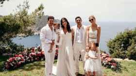 Diego Simeone y Carla Pereyra acuden a la boda ibicenca del hijo mayor del entrenador