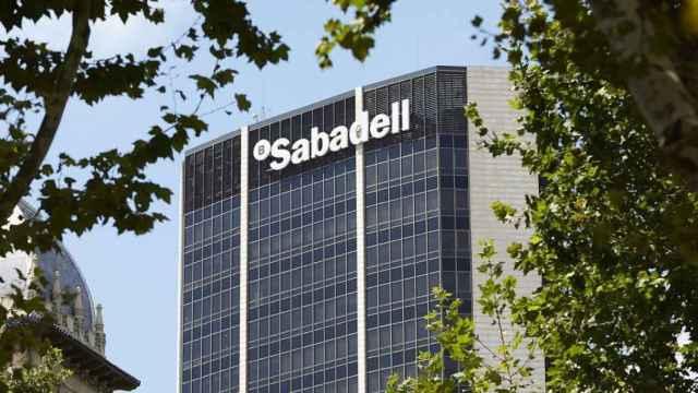 Fachada de la sede del Banco Sabadell.