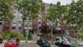 El número 5 de la calle San Cugat del Vallés, en Madrid, el lugar donde fue hallada la anciana muerta.