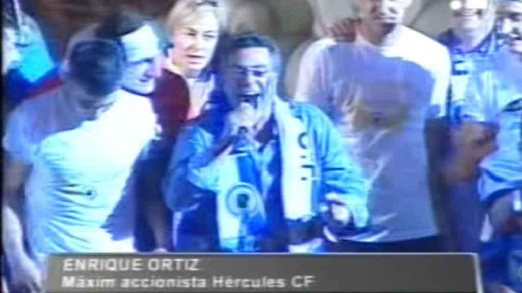 Ortiz y la alcaldesa Sonia Castedo, celebrando el ascenso en 2010.