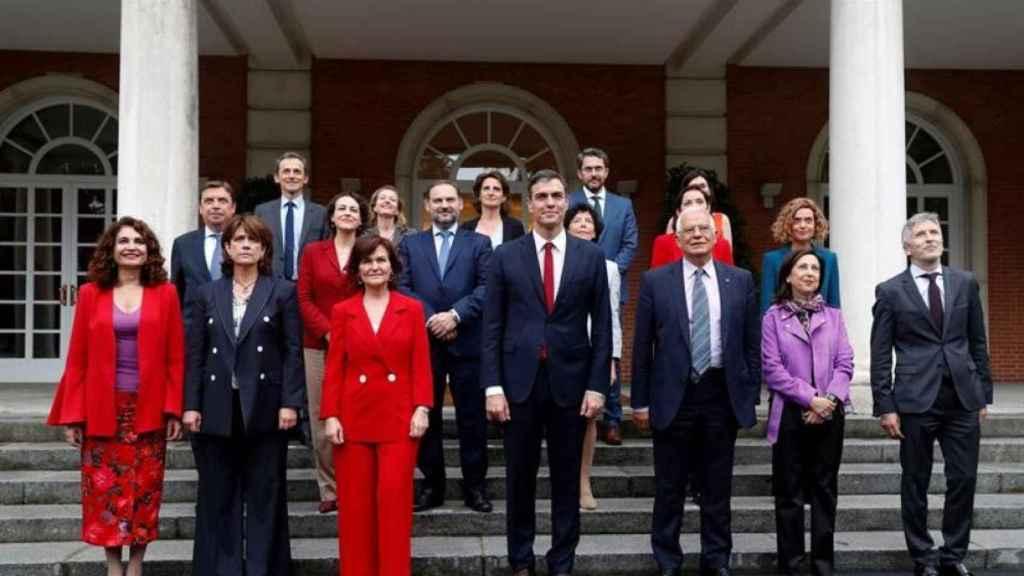 Foto de familia del primer Gobierno de Pedro Sánchez en junio de 2018. | EFE