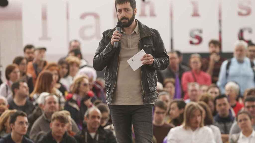Juanma del Olmo en un acto con simpatizantes de Podemos en La Cúpula del Milenio de Valladolid en 2019.