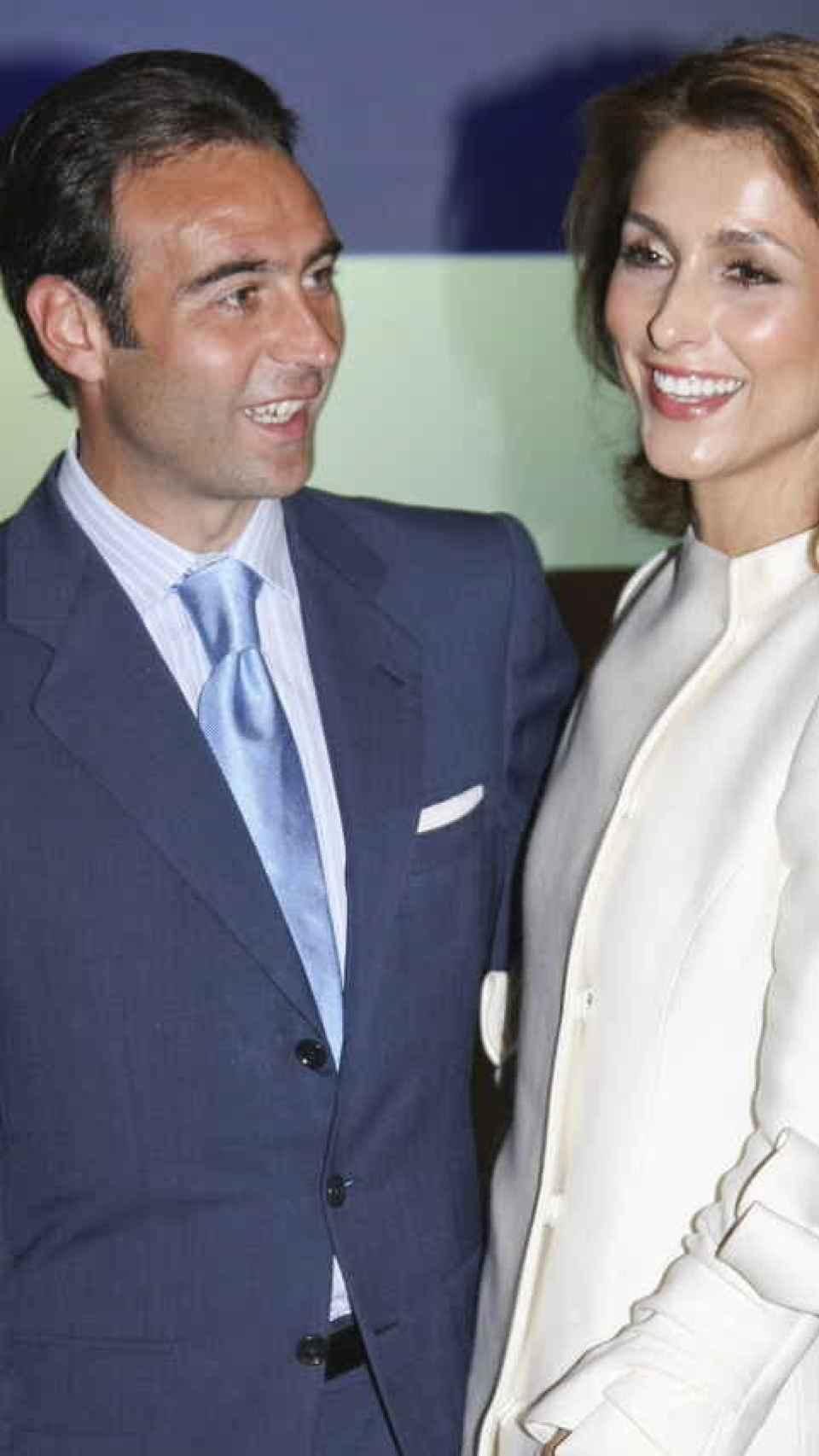 Enrique Ponce y Paloma Cuevas están a punto de formalizar su divorcio.