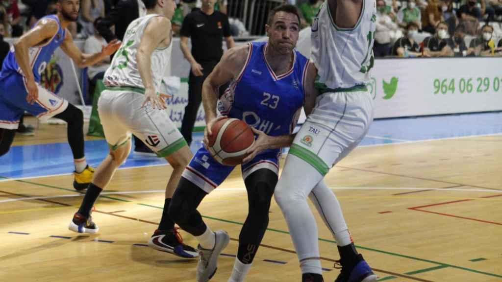 EL HLA Alicante mantiene sus posibilidades de ascenso a la Liga ACB tras ganar al Castellón.