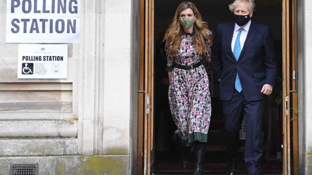Boris Johnson y su pareja Carrie Symonds en una imagen reciente.