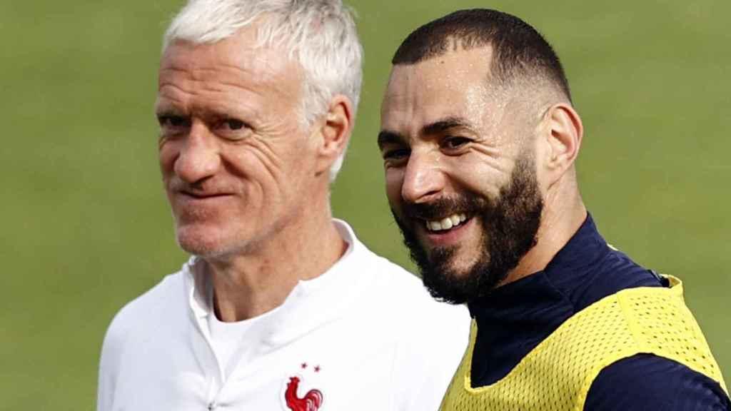 Didier Deschamps y Karim Benzema, en un entrenamiento de la selección de Francia
