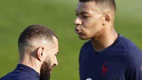 Karim Benzema y Kylian Mbappé, en un entrenamiento de la selección de Francia