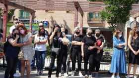 Concentración de repulsa en Alovera por el asesinato de una mujer a manos de su pareja (Foto: Europa Press)