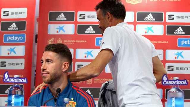 Sergio Ramos y Luis Enrique, en una rueda de prensa con España