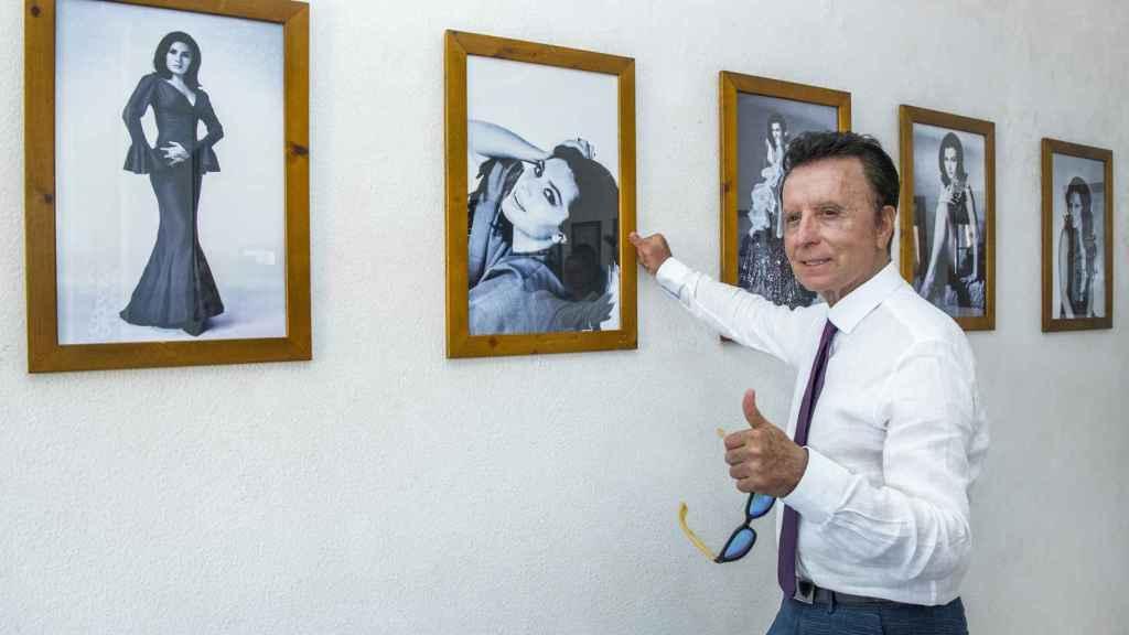 José Ortega Cano en una exposición sobre Rocío Jurado en Chipiona.