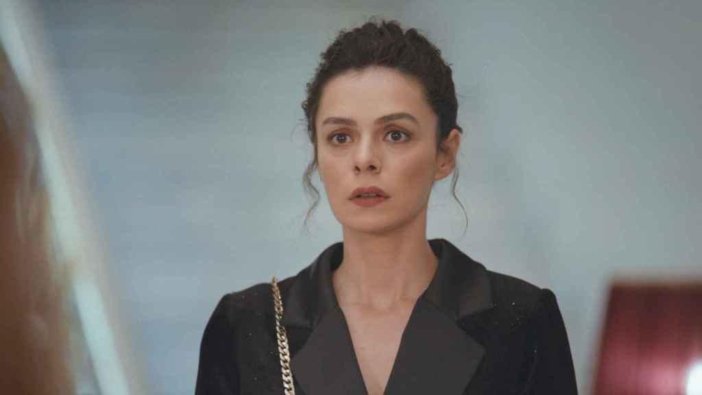 Avance en fotos de 'Mujer': Bahar cambiará su identidad para una misión secreta