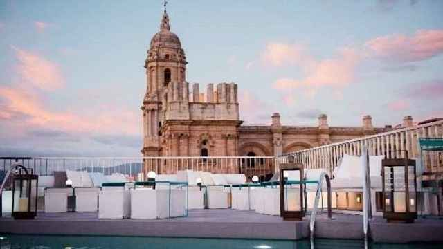Molina Lario, vacaciones en un hotel de lujo sintiéndote como en casa