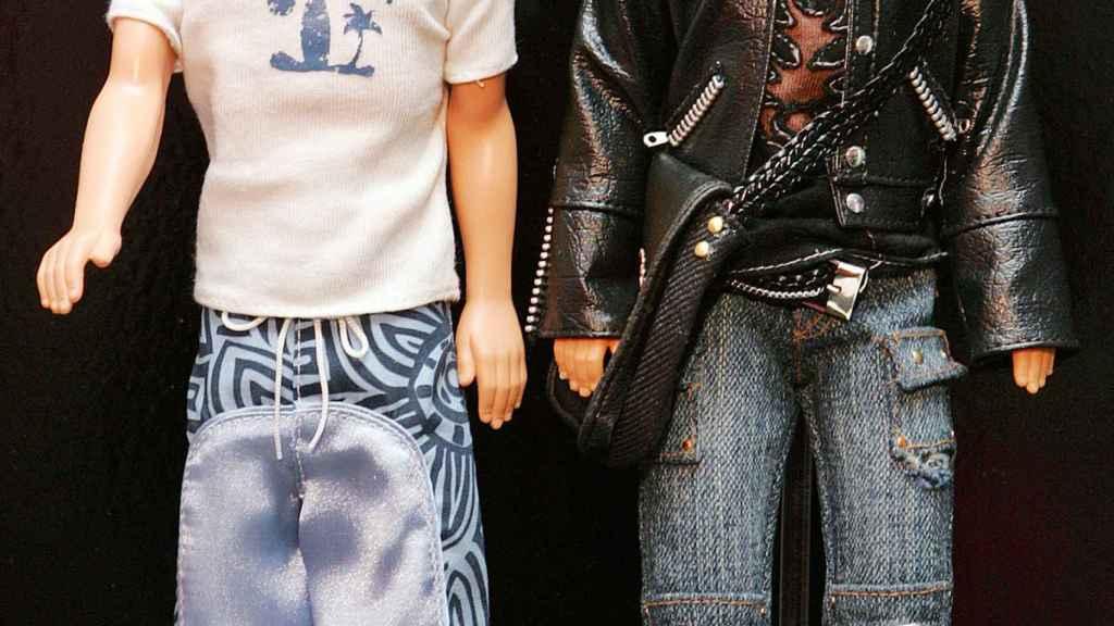 Dos ejemplares de Ken en la Feria Internacional del Juguete de América.