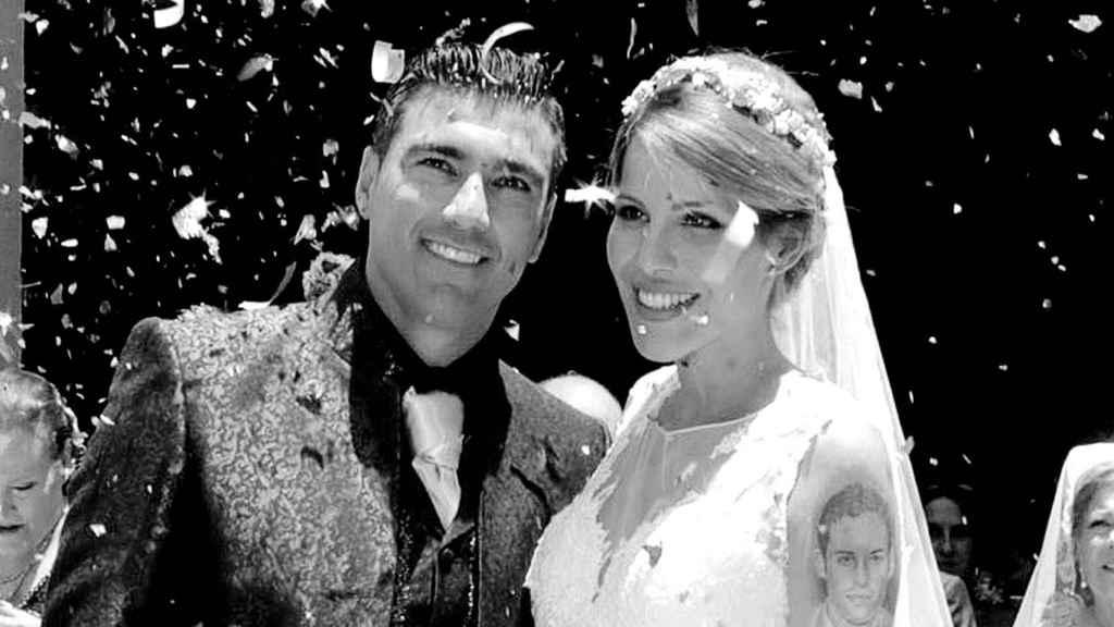 José Antonio Reyes y Noelia López el día de su boda en Sevilla.
