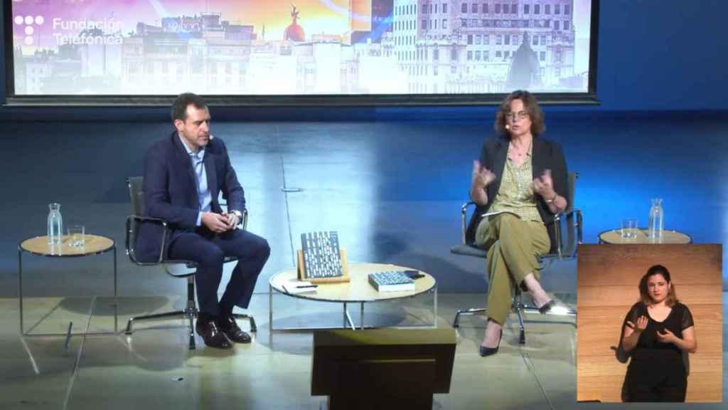 Pablo Gonzalo y Carmen Morenés,  en la presentación del informe 'Sociedad Digital en España'.
