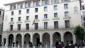 Condenado a prisión permanente revisable el hombre que asesinó a sus padres y su hermano en Alicante