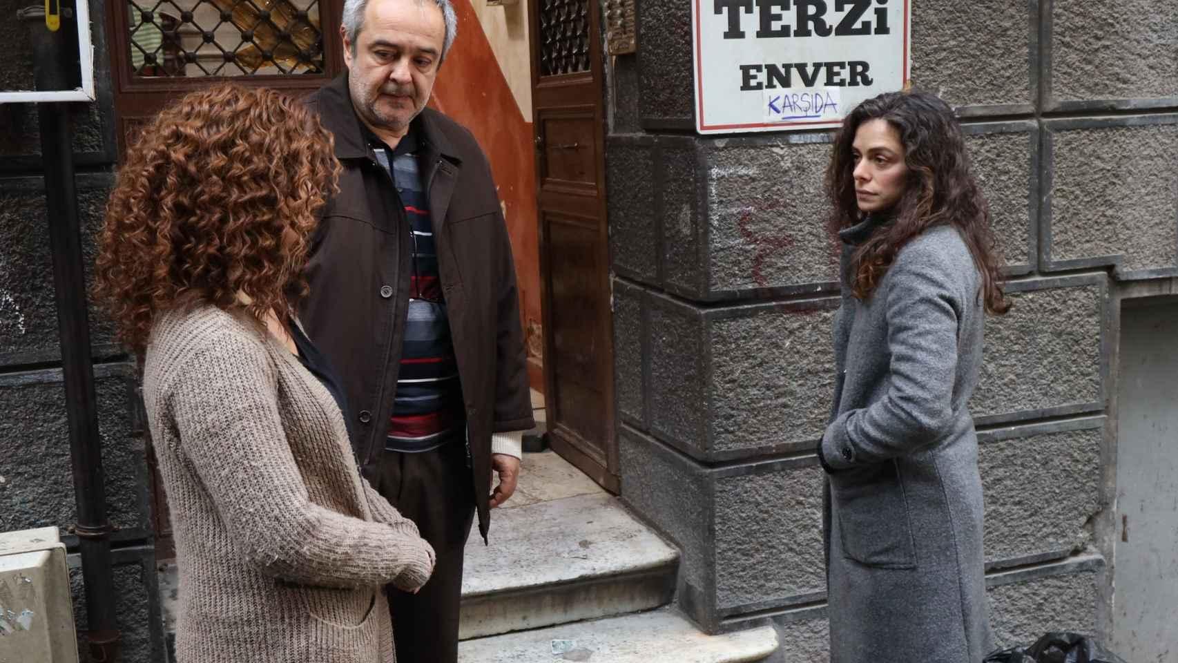Avance en fotos del nuevo capítulo de 'Mujer': Bahar descubre la alianza entre Cem y Kismet