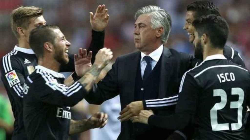 Ancelotti, con Sergio Ramos e Isco