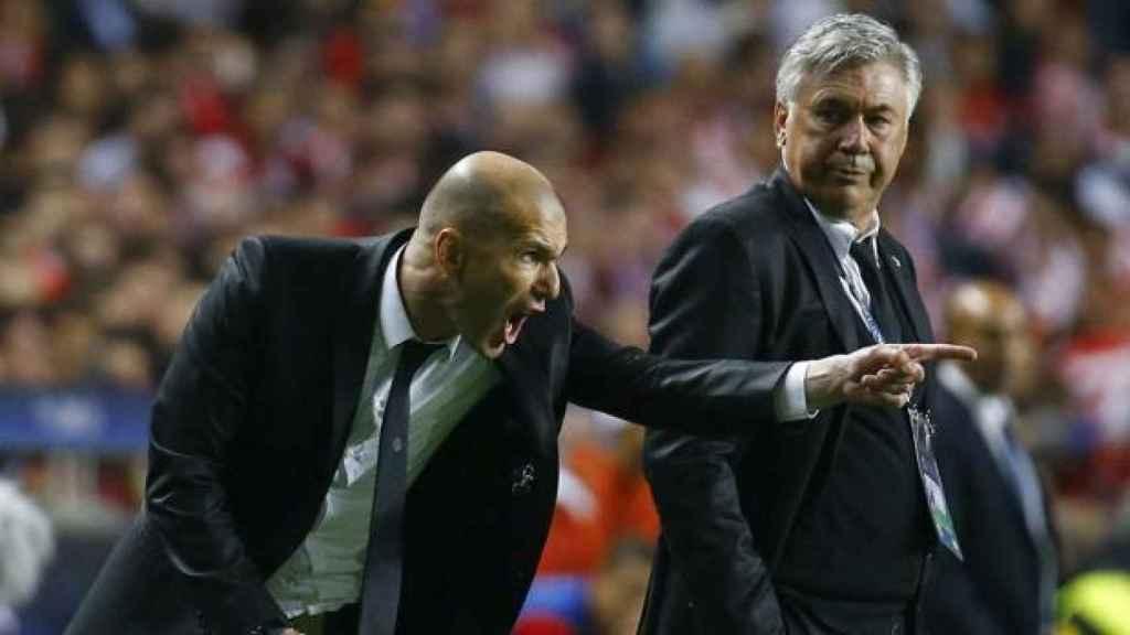 Zidane y Ancelotti, en la final de Lisboa