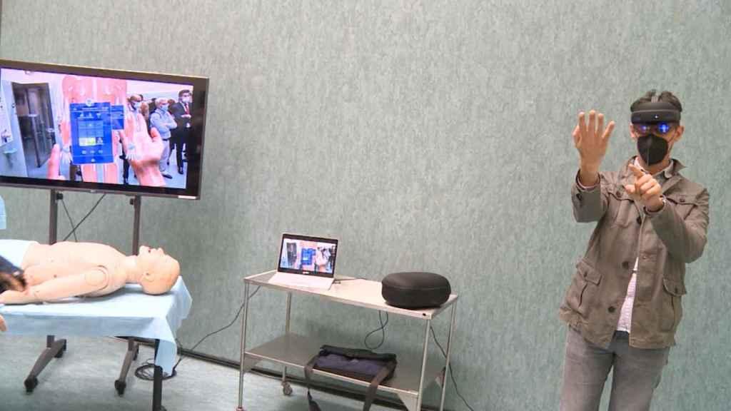 Una de las demostraciones realizadas durante el evento celebrado en Granada sobre la realidad mixta aplicada a la sanidad.
