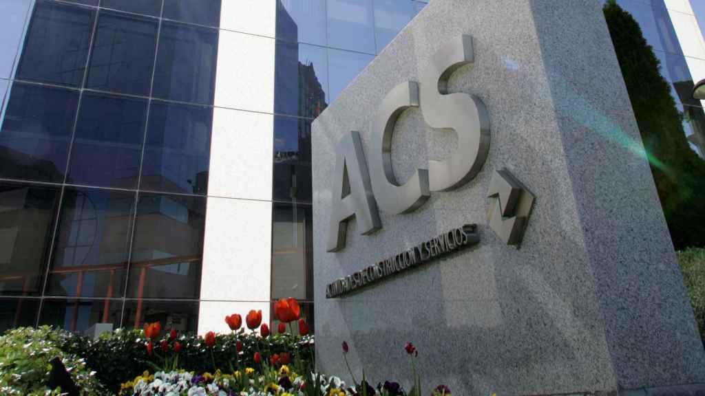 Entrada a unas oficinas de ACS.