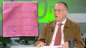 Rodolfo De la Torre prescribe sal marina en post-it rosa desde un consultorio público