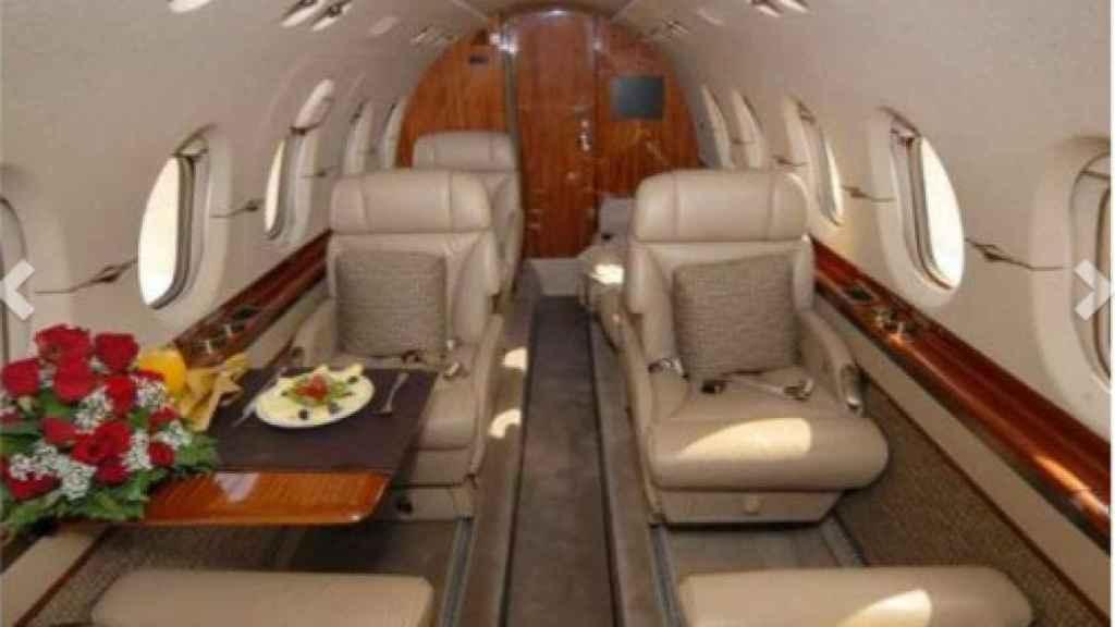 El interior del jet privado con el que Ghali abandonó España.