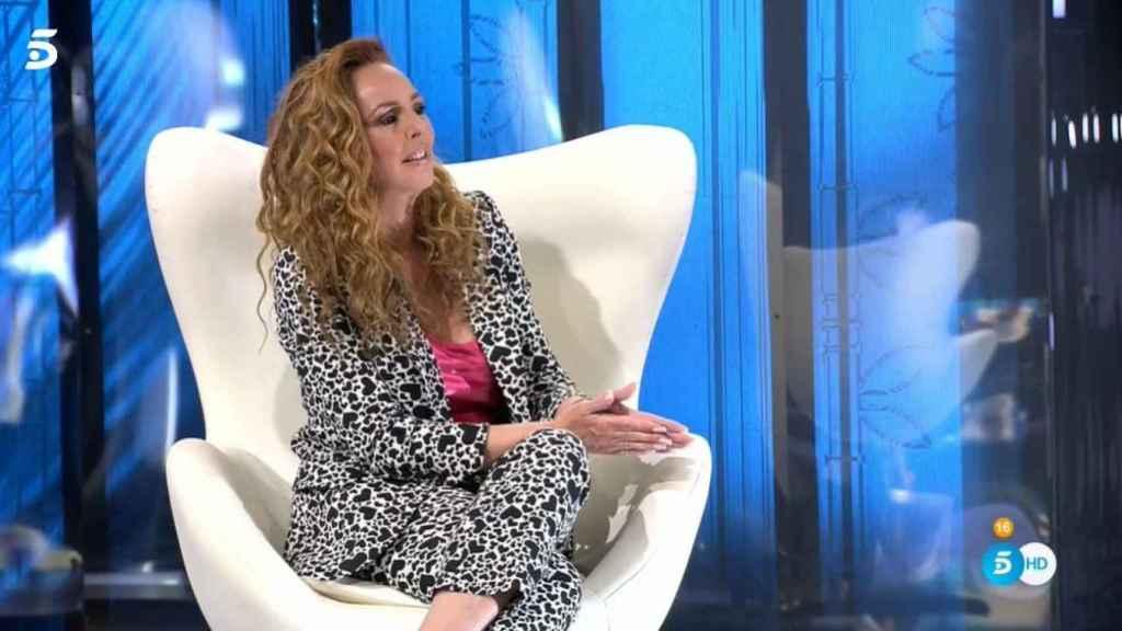 Rocío Carrasco hablando con Carlota.