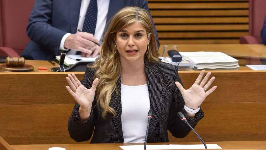 Eva Ortiz (PP) pide a Mata respeto a los sanitarios de Torrevieja tras llamarles hijos de concejales