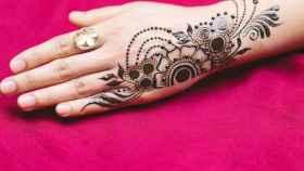 La henna es utilizada tradicionalmente por países musulmanes o hindúes.