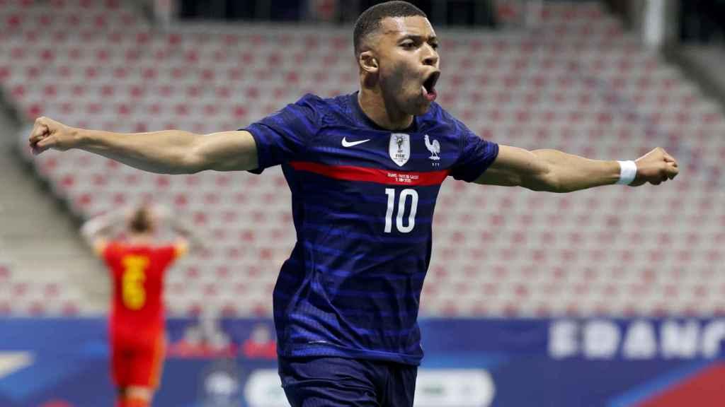 Celebración de Kylian Mbappé tras marcar el 1-0 para la selección de Francia