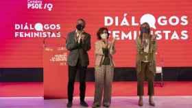 Clausura de los 'Diálogos feministas' del PSOE de Cantabria, con la presencia de Pablo Zuloaga; Carmen Calvo y Noelia Cobo. Foto: PSOE