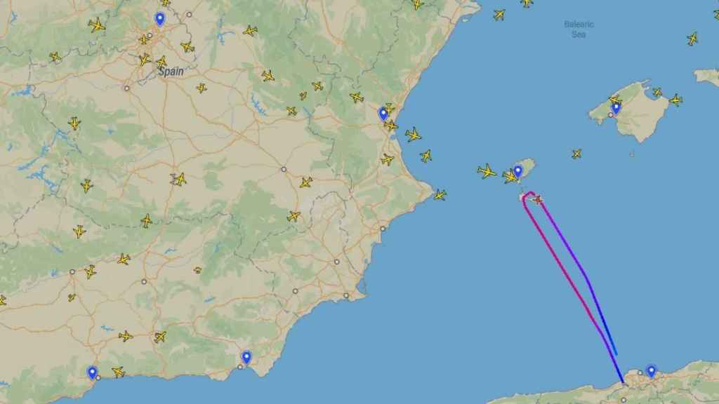 Ruta del vuelo chárter en Argel, dirección Logroño, y obligado a dar la vuelta a su llegada cerca de Ibiza.