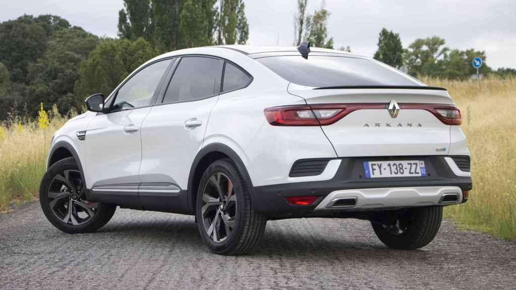 Así es el nuevo Renault Arkana, un SUV coupé híbrido.