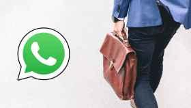 Fotomontaje con el logo de WhatsApp y un trabajador con su cartera.