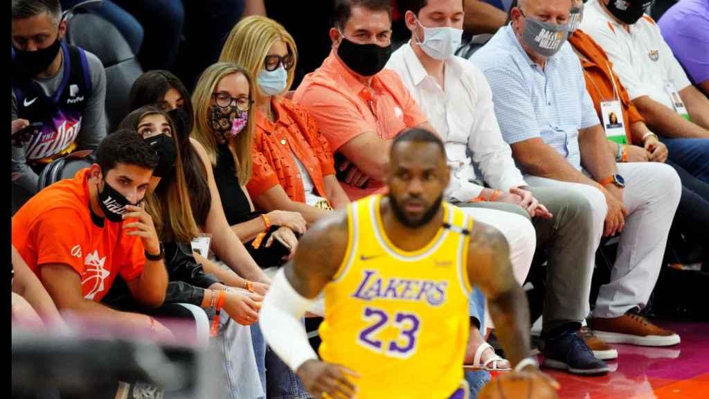 LeBron James durante el partido entre Knicks y Lakers de la NBA