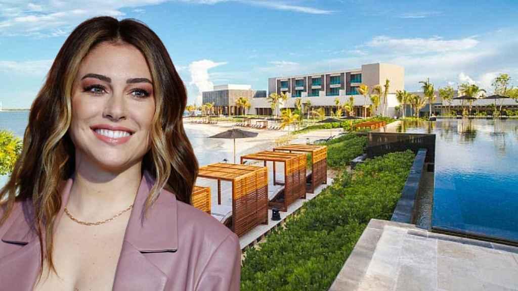 Blanca Suárez junto al exclusivo hotel en el que se aloja en Cancún.