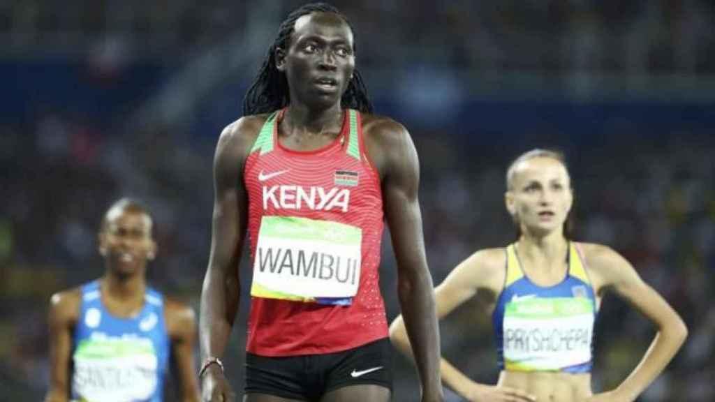 Margaret Wambui antes de una prueba de 800 metros lisos