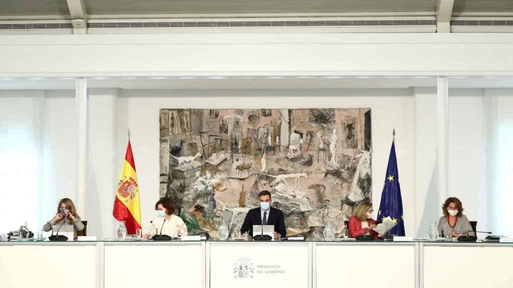 Pedro Sánchez, uno de sus cuatro vicepresidentes, en el Consejo de Ministros.