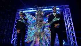 ¿Quién es la Mariposa de 'Mask Singer' 2? Todas las pistas sobre el famoso que se esconde detrás