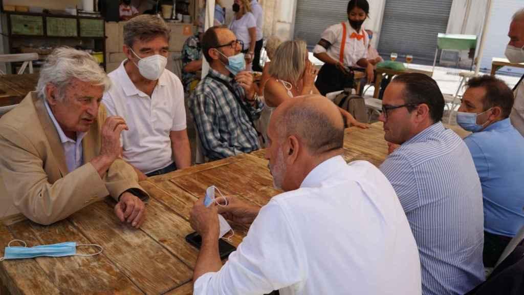 Durante el encuentro con militantes en Málaga.