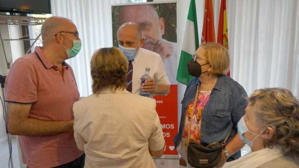 En la sede del PSOE en Estepona.