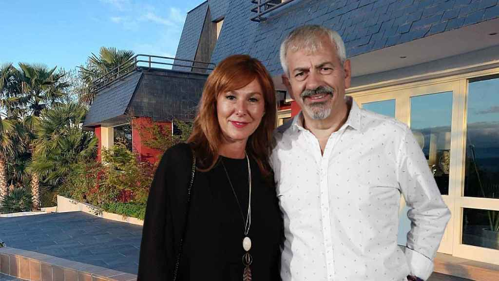 Carlos Sobera junto a su mujer, Patricia Santamarina, en un montaje de JALEOS.