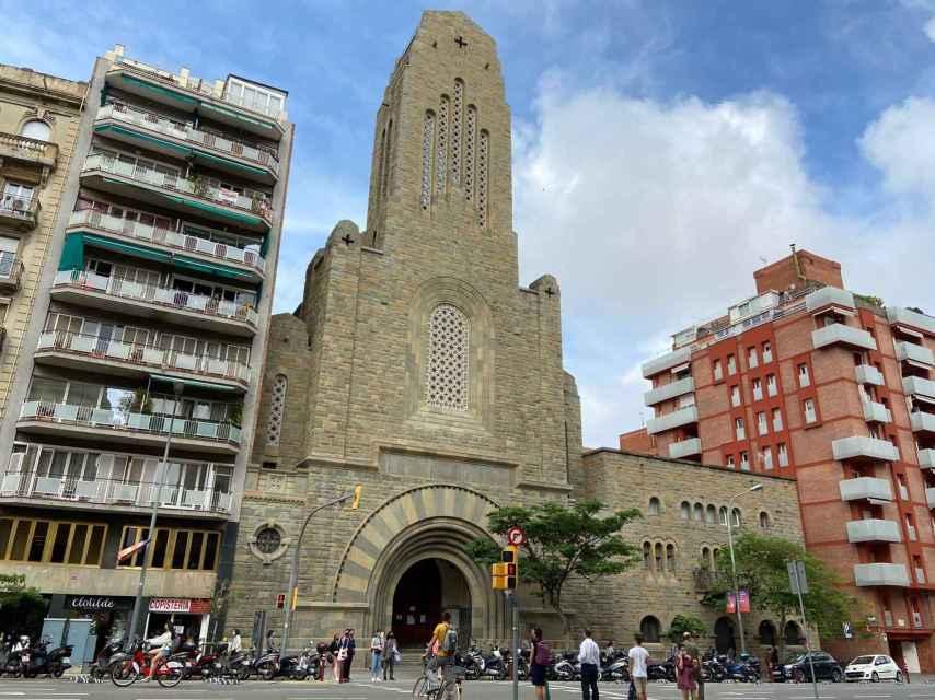 La imponente iglesia de las Teresitas, una de las que puede caer
