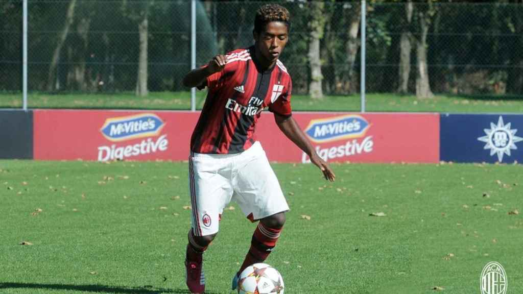 Seid Visin durante un partido con el AC Milan