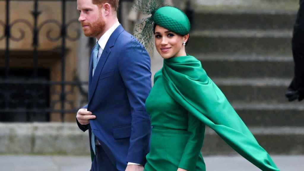 Meghan Markle y el príncipe Harry, en su último acto con la Familia Real británica.