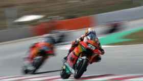 Remy Gardner, por delante de Raúl Fernández en el Gran Premio de Cataluña de Moto2 de 2021