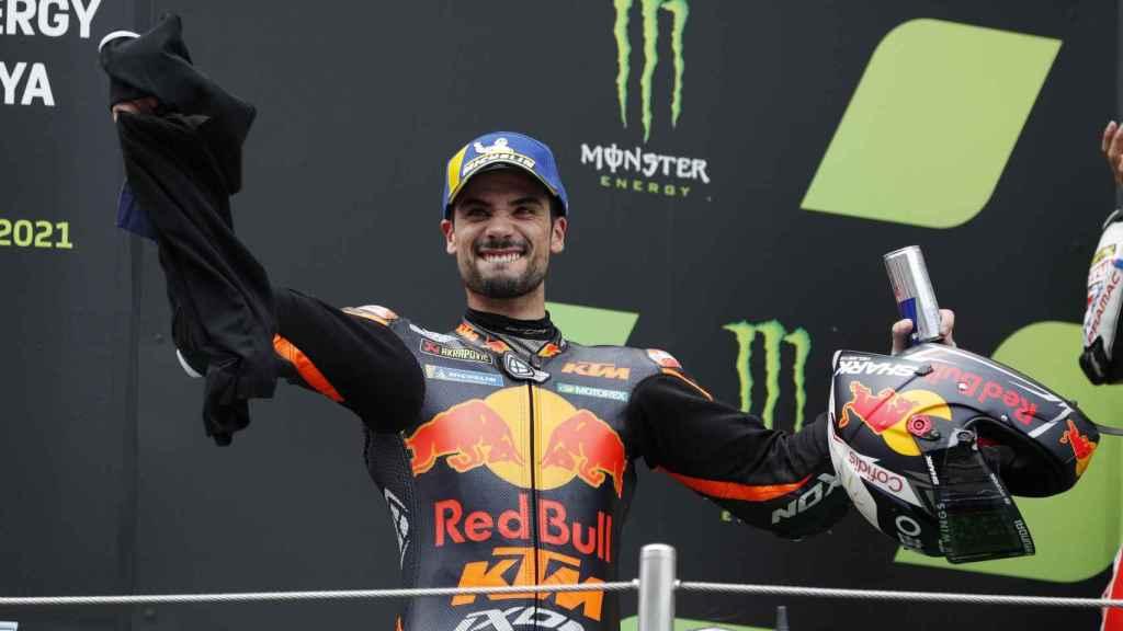Miguel Oliveira celebra su victoria en el Gran Premio de Cataluña, en el circuito de Montmeló.